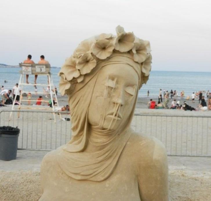 26Marvelous Sculptures That Make Sand Come Alive