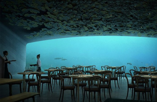 13Restaurants Where Food IsNot the Main Attraction