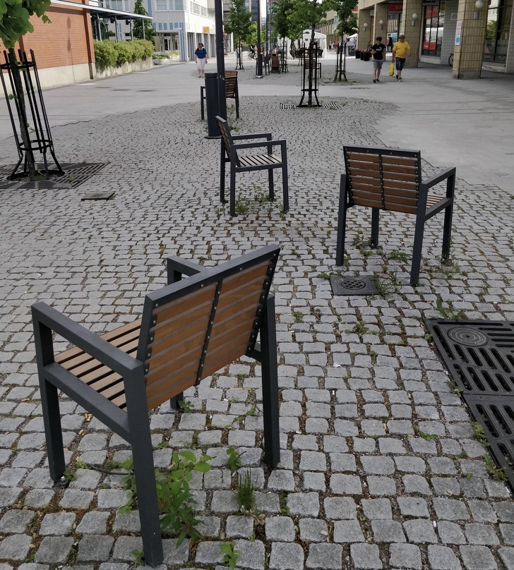 18Cool Examples ofUrban Furniture You'll Probably Want onYour Street