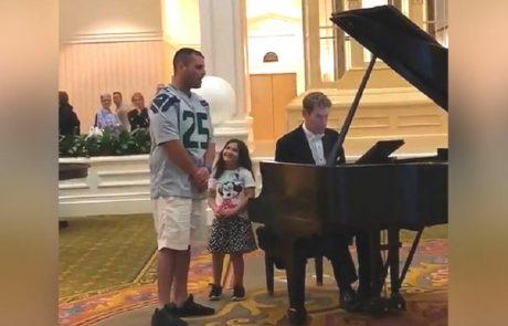 הילדה קראה לאביה הכבאי לשיר בלובי מה שהוליד סרטון ויראלי שריגש רבים!