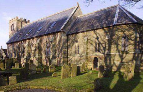 הזוג קנה כנסייה שננטשה בשנות ה-80 ושיפץ אותה כבית מגורים והתוצאות המרהיבות גרמו לכולם להחסיר פעימה!
